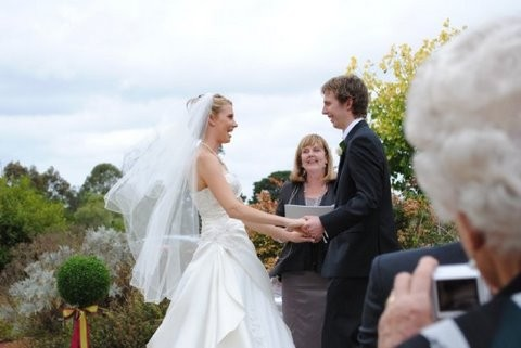 Fiona Nicholls Marriage Celebrant Melbourne
